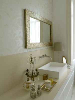 Un baño con estilo romántico
