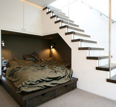 debajo de las escaleras2
