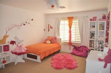 Habitaciones en rosa y naranja for Cuartos de ninas color rosa