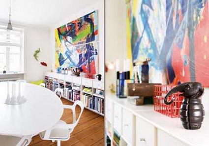 Visita una casa llena de color for Cuadros verticales grandes
