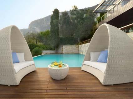 Muebles para exteriores for Momento actual muebles
