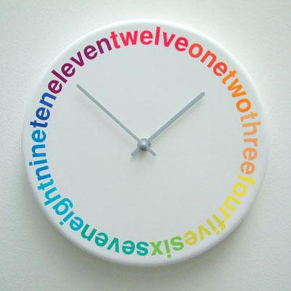 Este reloj de pared es ideal para una persona jóven, un regalo excelente  para personas que disfrutan de decoraciones modernas, solteros, parejas  jóvenes y