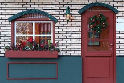 Decorar las ventanas en navidad for Decorar las puertas en navidad