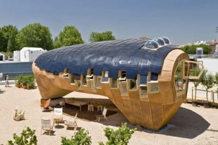 esta casa es el sueo de cualquier amante de los diseos ecolgicos elaborada en madera y con paneles solares para aprovechar la energa