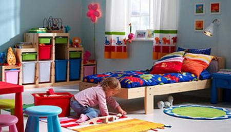 Una habitación infantil ordenada