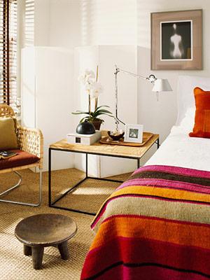 Un pequeño apartamento lleno de color