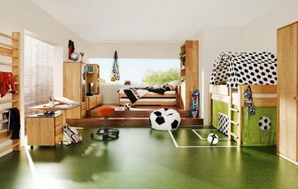 Una habitación decorada al mejor estilo del fútbol
