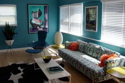 Visita un interior lleno de colores y detalles