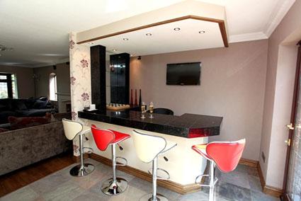 Tu propio minibar en casa for Mini casa minimalista