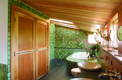 Baños con mucha madera